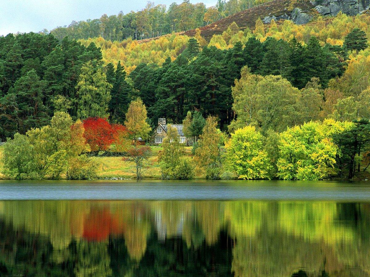 tranquil-waters-loch-of-eilee-scotland